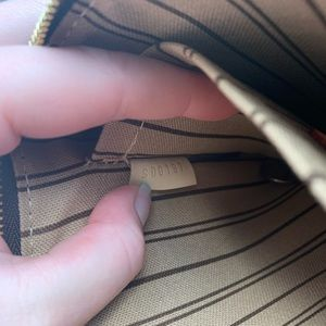 Louis Vuitton Bags - Louis Vuitton Neverfull MM Pochette